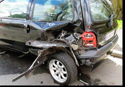 imagen dañada del coche